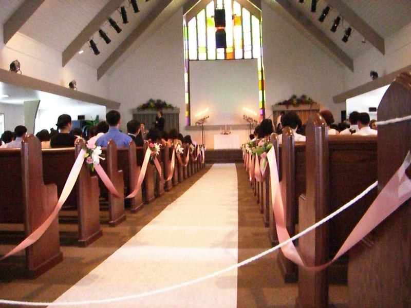 2006 06 24 Sat - A view down the aisle 1