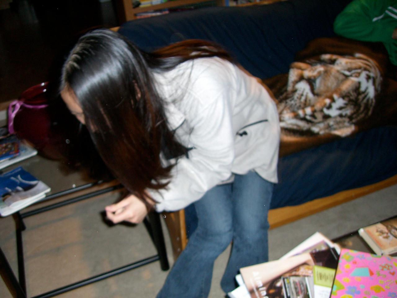 2006 03 24 Fri - Jenny Alyono & Pablo Pozo's pity visit - Jenny dodges the camera
