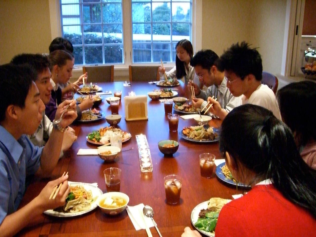 2006 04 23 Sun - Tmony @ The Kim's for dinner 1