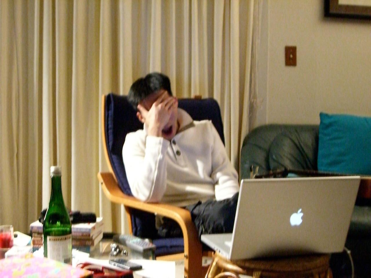 2006 03 24 Fri - Jenny Alyono & Pablo Pozo's pity visit - Ben Yu losing the battle with sleep