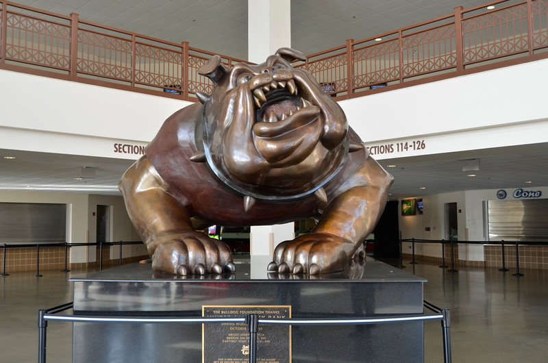 The iconic bulldog in the lobby