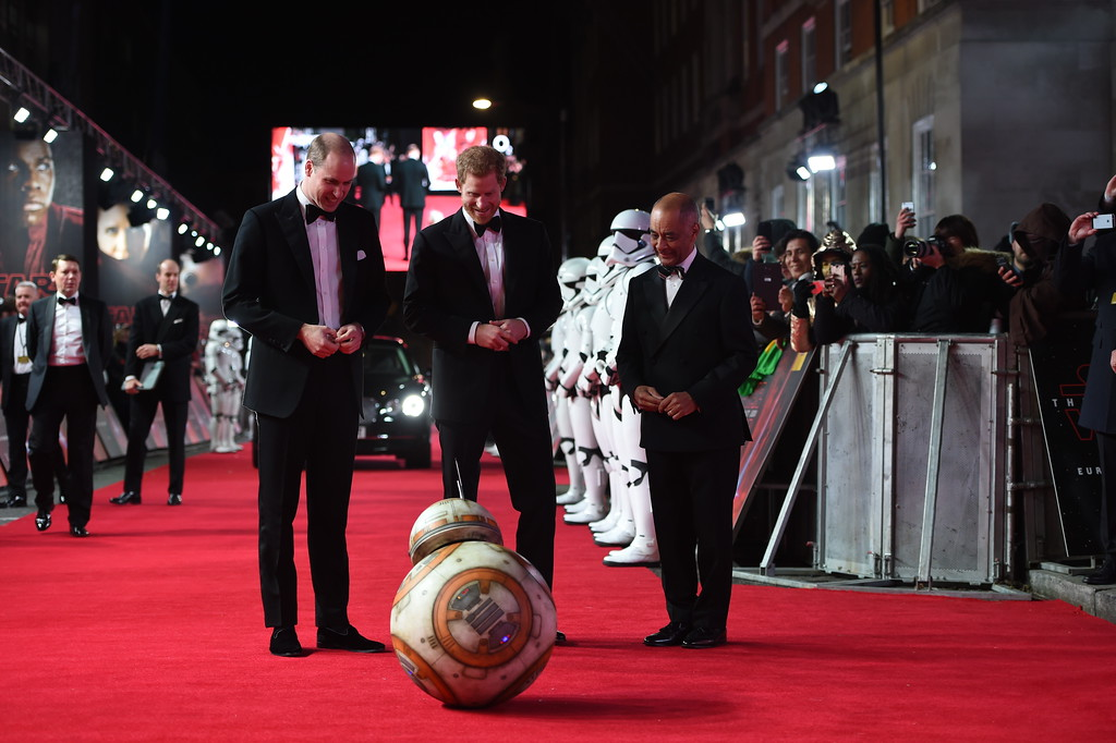 . Mcc0080400 © Eddie Mulholland ROTA The Duke of Cambridge and Prince Harry attend The European Premiere of Star Wars: The Last Jedi, at the Royal Albert Hall on Tuesday, December 12. The premiere is hosted in aid of The Royal Foundation of The Duke and Duchess of Cambridge and Prince Harry.