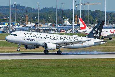 Lufthansa Airbus A320-214 D-AIZH 9-13-19