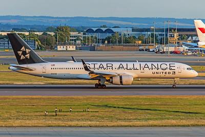 United Airlines Boeing 757-224 N14120 7-12-19