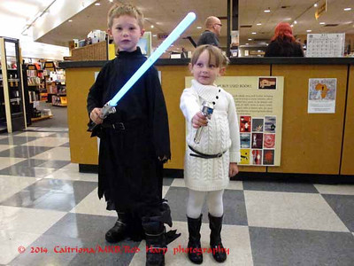 Cutest little Star Wars fans..... even better when you can do a Leia costume out of your closet!