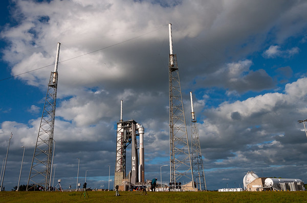 Atlas V on the pad before Starliner's Orbital Flight Test