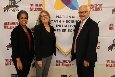 From left is NMSI Program Manager Muriel Alim, NMSI Senior Director of Business Development Jen LoPiccolo, and Sen. Gene Yaw.