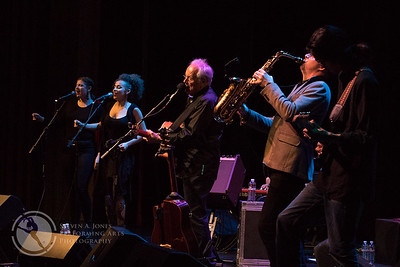 Left to right: Sally Rose, Virginia Garcia Alves,  Jesse Colin Young, Jack Sheehan & Aleif Hamdan