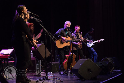 Left to right: Sally Rose, Virginia Garcia Alves, Tristan Young, Jesse Colin Young, Jack Sheehan & Aleif Hamdan
