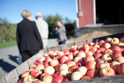 State officials kick off apple season at Groton's Autumn Hills Orchard 091216