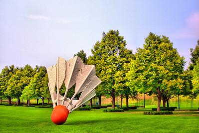 Kansas City Sculpture Park - Giants Playing Badminton