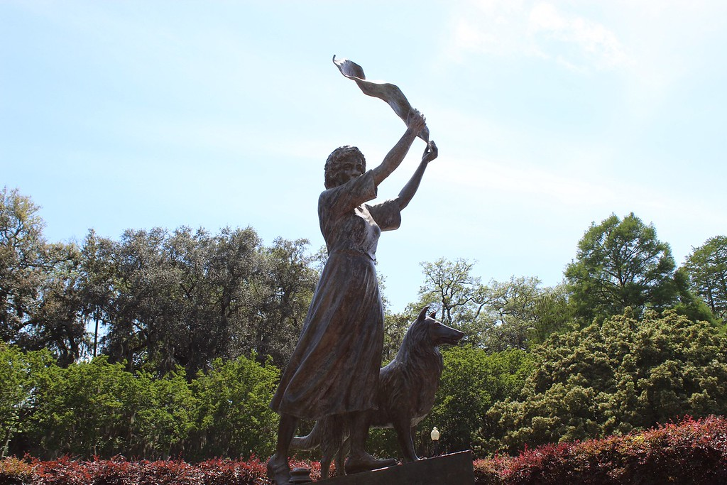 Savannah's Waving Girl