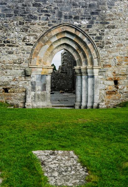 Clonmacnoiose Monastic Site