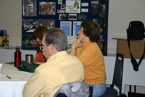 Master Naturalists learn about forest health.
