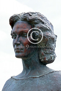 STY-CMT 00003 A well done bust honoring Romanian folk singer Centenar Maria Tanase, statue picture by Peter J Mancus