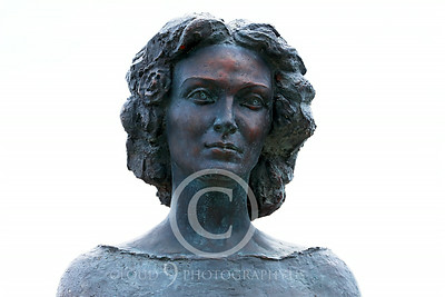 STY-CMT 00006 A well done bust honoring Romanian folk singer Centenar Maria Tanase, statue picture by Peter J Mancus