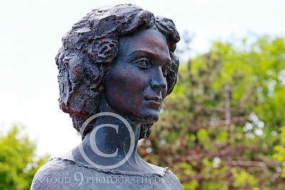 STY-CMT 00004 A well done bust honoring Romanian folk singer Centenar Maria Tanase, statue picture by Peter J Mancus