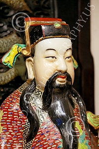 STY-CHIN 00005 A bearded Chinese man, statue picture by Peter J Mancus