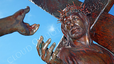 SpMis 00286 Anguish--Mary, Jesus' mother, and Jesus, carrying his crucification cross, reach out to each other, statuary at Mission San Louis Rey, by Peter J Mancus