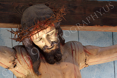 SpMis 00290 A crown of thorns on a crucified Jesus Christ above the altar at Mission San Louis Rey, by Peter J Mancus