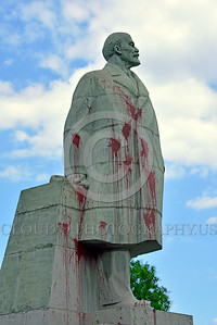 STY-VLenin 0019 A rare, unpopular in Odessa, Ukraine, Soviet era large statue to Russian communist party co-founder dictatorial political-economic theorist Vladimir Lenin, picture by Peter J  Mancus