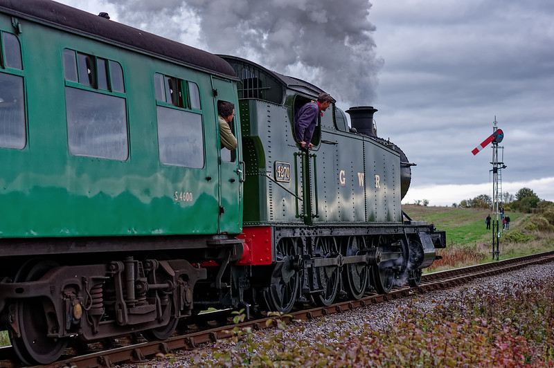 4270 passing Ropley Up Outer Home signal, with the 15:55 Alresford - Alton, <br /> on 26th October 2014.