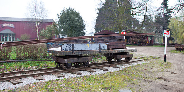 New rails loaded onto the maintenance wagon - these weigh just under 350lb (over 150kg) each