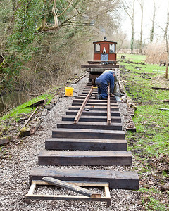 Positioning the new rails