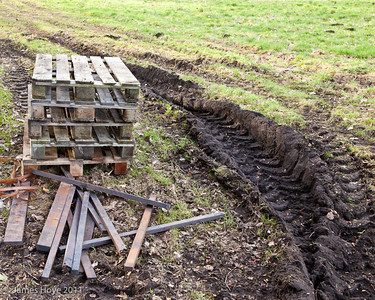 This section of track runs through Peat Field 1 & 2 - this is why they are called Peat Field 1 & Peat Field 2!