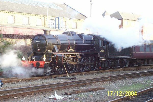 Black 5 <br /> <br /> 45407 <br /> <br /> Chester <br /> <br /> 17th Dec 2004<br /> <br /> Xmas Chester Chuffer <br /> <br /> 1Z49 10.31 Birmingham International - Chester