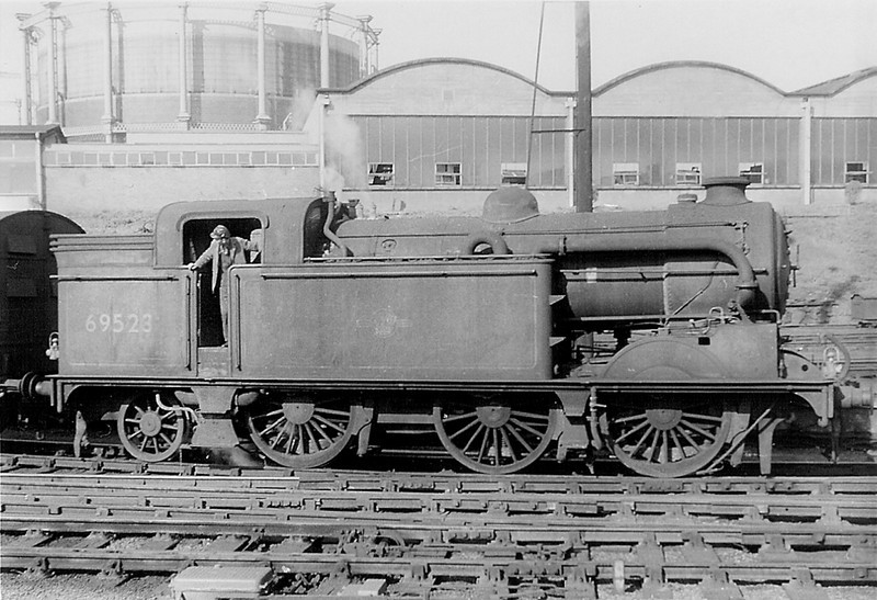 The now preserved Great Northern Railway N2 #1744.   In the early 1960s 69523 Shunts at Kings Cross