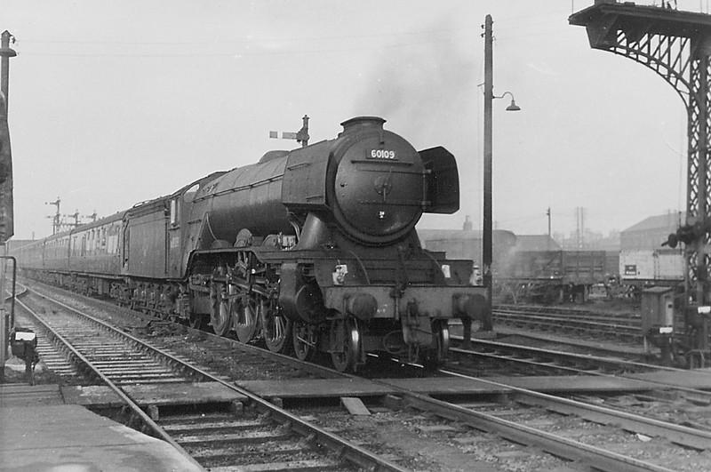 60109 Hermit enters Peterborough Station