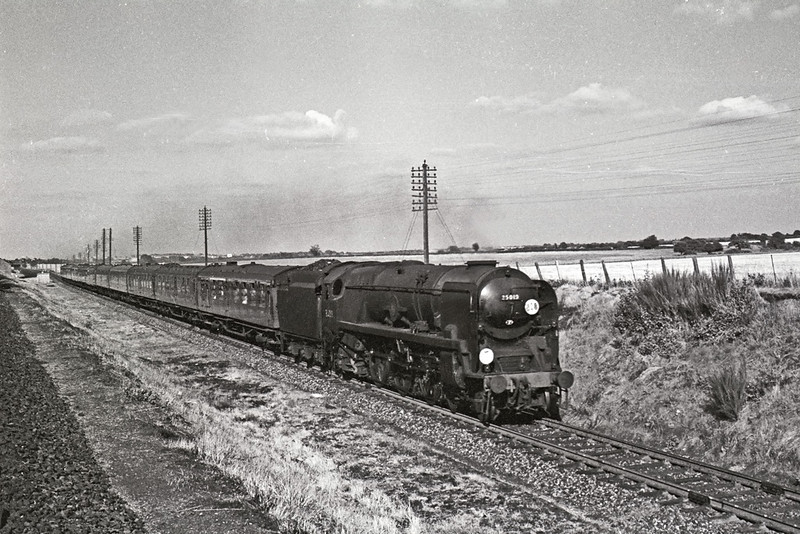 Aug 1964:  35013 takes the Southampton route away from Worting Junction