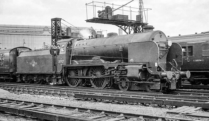 January 1962:  30927 'Clifton' is waiting for the green for departure from Waterloo.. I have no idea of it's  destination.