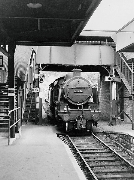 28th August 1964:  31632 Entering  Yeovil Town Station from Pen Mill.  As there was no room for a bracket signal two separate posts are provided