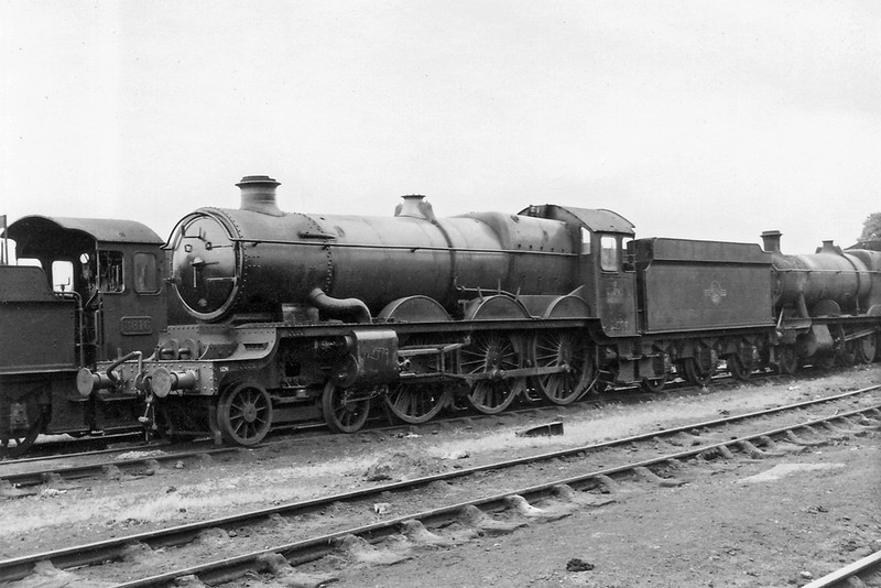 19th Sep 64: 4079 now shorn of plates and connecting rods awaits it's fate outside Westbury shed