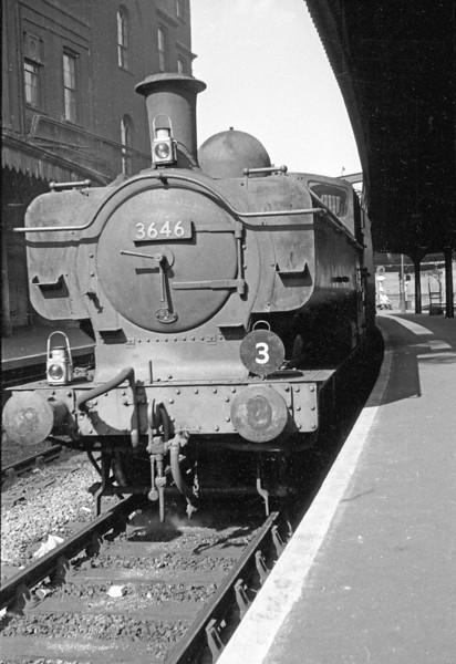 "Aug '63:  Wearing ""Duty 3"" target 3646 brings coaches into Platform 2 at Paddington"