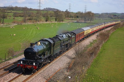 GWR Castle Class 4-6-0 no 5029 Nuney Castle and BR Britannia Class 7MT 4-6-0 no 70013 Oliver Cromwell hauling the 1Z52 0735 London Paddington to Par at Langstone Rock on the 5th April 2009 (2)
