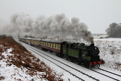 1744 passes Woodthorpe with the 1000 Loughborough to Leicester North on the 20th January 2013