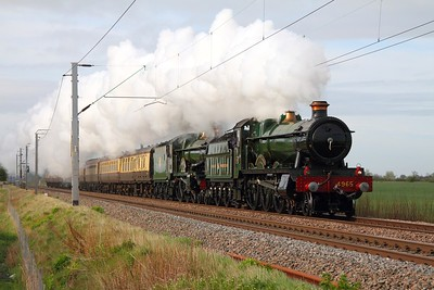 GWR Hall Class no  4965 Rood Ashton Hall leading GWR Castle Class no  5043 Earl of Mount Edgcumbe powering the 1Z33 Tyseley Warwick Road to Llandudno The Llandudno Victorian Festival Special at Dunston on the 5th May 2012