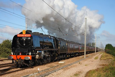 46233 Duchess of Sutherland works the 1Z67 Sheffield to London Kings Cross at Abbots Ripton on the 16th October 2010