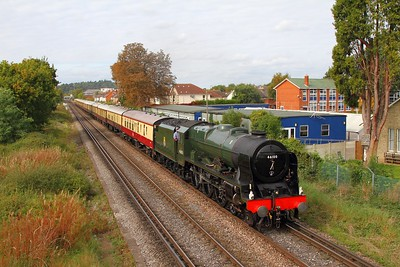 46100 Royal Scot on the 1Y82 1228 London Victoria to London Victoria via Shalford at Chertsey on the 23rd September 2017