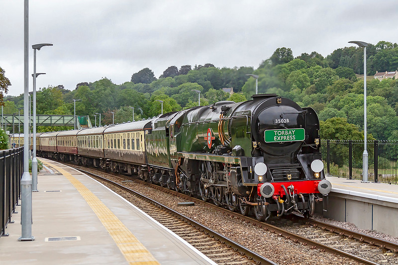 19th Aug 2018:  Trotting through the recently extended platforms at Freshford is Merchant Navy pacific 35028 'Clan Line'.  1Z27 is the 08.00 'Torbay Express' from Bristol Temple Meads to Kingswear