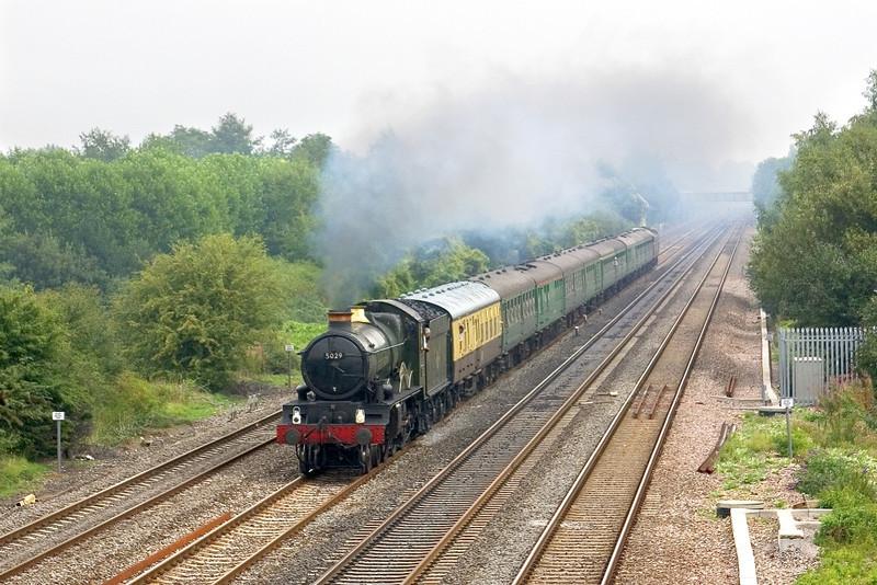 10th Sep 05::  5029 Nunney Castle, 1Z96, Cathederals Express  Victoria - Cranmore.  Breadcroft Lane   Maidenhead