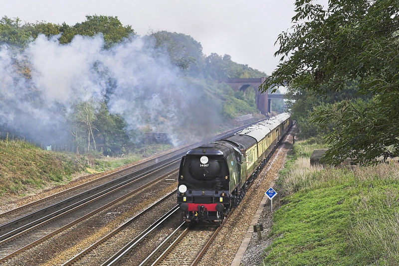 1st Oct 05:    34067 Tangmere,1Z37.'The Salisbury Spire' Derby to Salisbury at Totters Lane near Winchfield