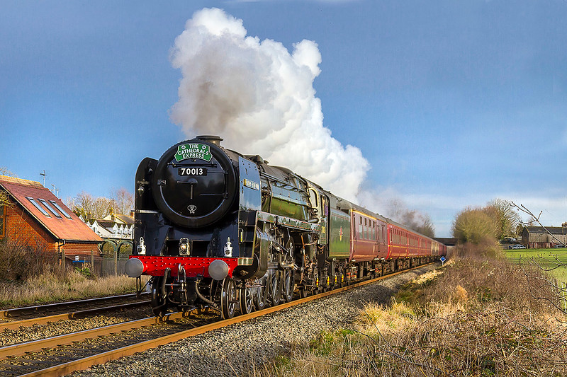 19th Dec 2017:  Even with the forecast showing fog the chance of seeing Oliver Cromwell was too good to miss so a trip was made to Town End Crossing in Wylye.  1Z82 from Victoria to Bath Spa was running late after a prolonged water stop at Overton.  This was fortunate as the sky started to clear and 70013 was well lit as it stormed passed at 14.42
