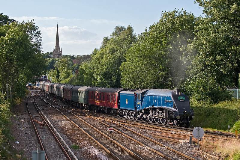 3rd Jul 08: Working hard 60007 takes the Ascot line as it leaves Wokingham on the return Cathedrals Express from Bristol to Victoria