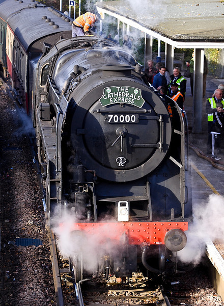 10th Dec 11:  70000 'Britannia' during the water stop at Chertsey