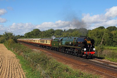 35028 Clan line powers the 1Z61 London Victoria to Canterbury West east of Tonbridge on the 13th September 2017