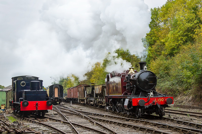 17th Oct 2015:  Leaving Bitton on the demonstation Goods  is GWR small Prarie 5521 currently painted  as Londin Transport L150.  The large air pump rather spoils the look but it was added when the loco spent some time in Poland running special trains.
